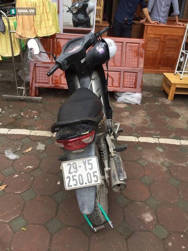 """CSGT tóm gọn tên trộm xe máy đang """"điên cuồng"""" bỏ chạy - Ảnh 1."""