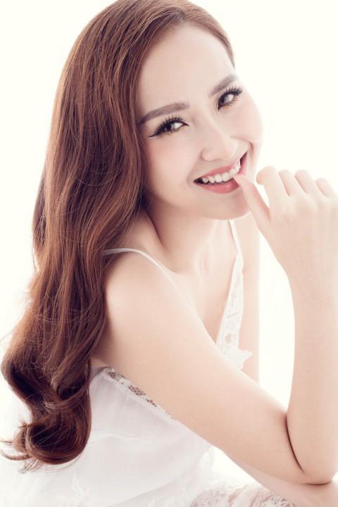 Vừa đăng quang Hoa hậu Hoàn cầu 2017, Khánh Ngân đã được mời làm đại sứ du lịch - Ảnh 1.