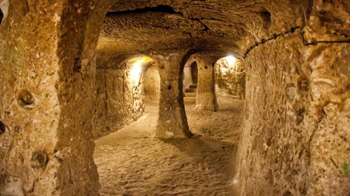 Lịch sử 8 thành phố ngầm bí ẩn nhất thế giới - Ảnh 1.