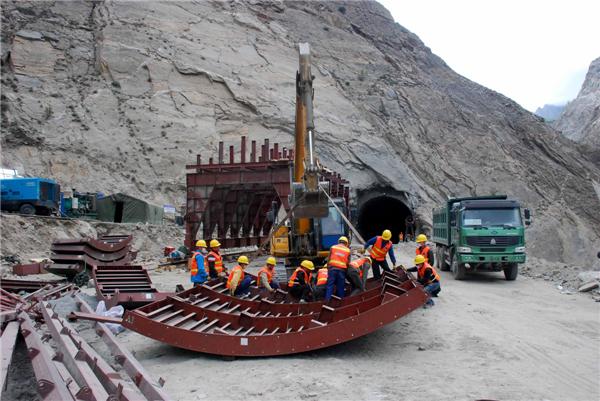 Người Pakistan vỡ mộng vì con đường hữu nghị của Trung Quốc - Ảnh 1.