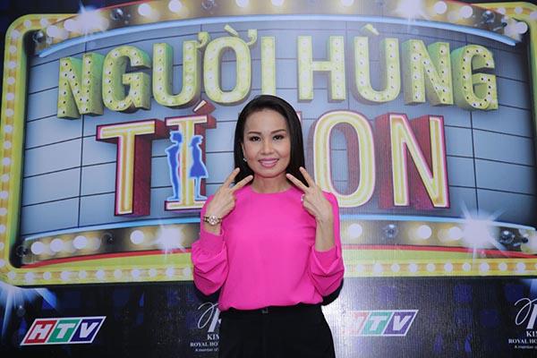 Cẩm Ly tất bật chạy show làm giám khảo - Ảnh 2.