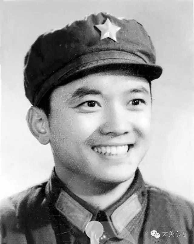 """""""Hòa Thân"""" Vương Cương: Từng suýt bị đuổi học, phải cầu cứu Mao Trạch Đông - Ảnh 1."""