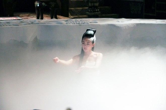 Sự thật hài hước sau nhưng cảnh nóng nhất phim Hoa ngữ - Ảnh 10.
