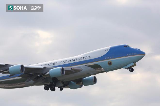 Mật vụ Mỹ đến sân bay, Air Force One sẵn sàng đưa tổng thống Trump rời Đà Nẵng ra Hà Nội 12