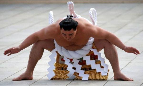 Thế giới u ám của võ sĩ sumo tại Nhật: Không lương, không điện thoại, không bạn gái - Ảnh 2.
