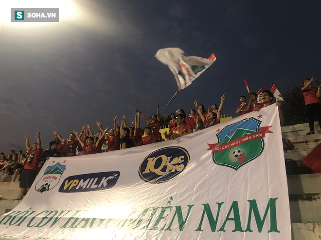 Đại thắng Viettel, HAGL vô địch lần đầu tiên đầy ngọt ngào - Ảnh 2.