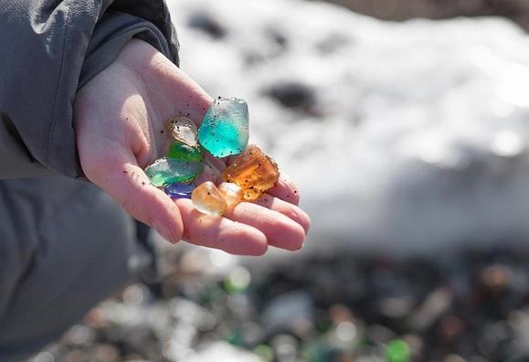 Hàng triệu mảnh thủy tinh bị vứt xuống biển, 10 năm sau điều không ai ngờ đến đã xảy ra - Ảnh 9.