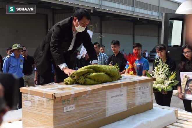 Ảnh: Thi thể bé gái người Việt tử vong ở Nhật Bản về tới Việt Nam - Ảnh 2.