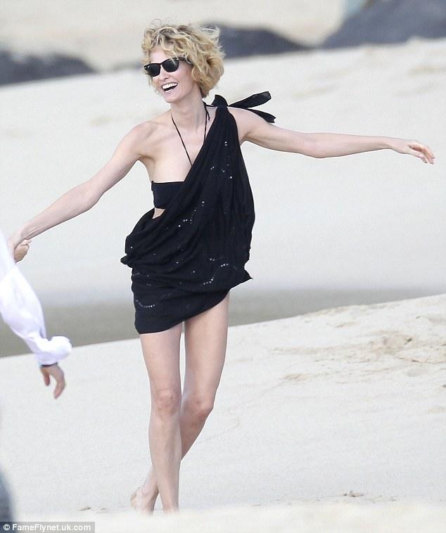 Cuộc đời bi kịch của cựu thiên thần Victoria's Secret: Nhiều lần bị cưỡng bức - Ảnh 9.