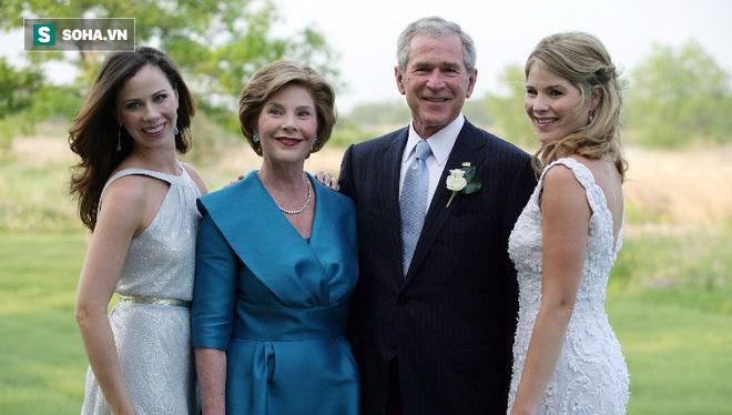 Cựu tổng thống Mỹ George W. Bush chỉ nói một câu, ông bố nào có con gái cũng đều xúc động!