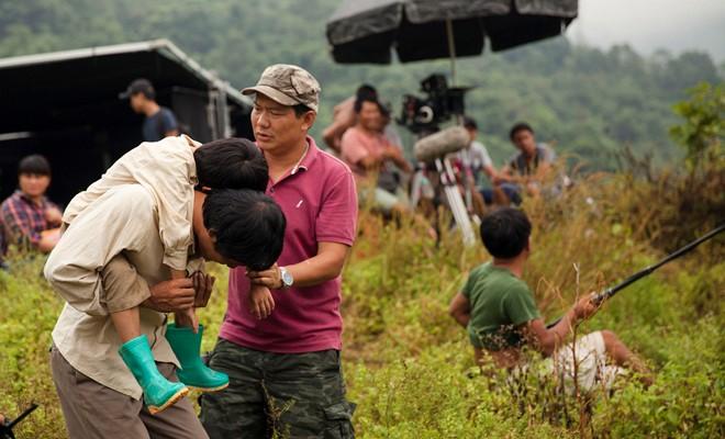 Có gì đặc biệt ở Cha cõng con - Phim Việt Nam được tham dự Liên hoan phim Quốc tế? - Ảnh 3.