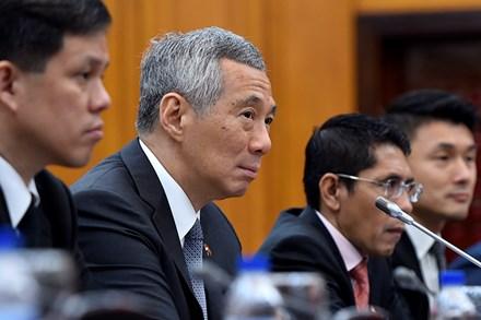 Thủ tướng Nguyễn Xuân Phúc tặng Thủ tướng Singapore món quà độc đáo - Ảnh 6.