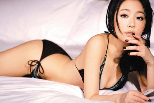 Lộ ảnh nóng, Lâm Tâm Như bị dư luận vùi dập không thương tiếc - Ảnh 2.