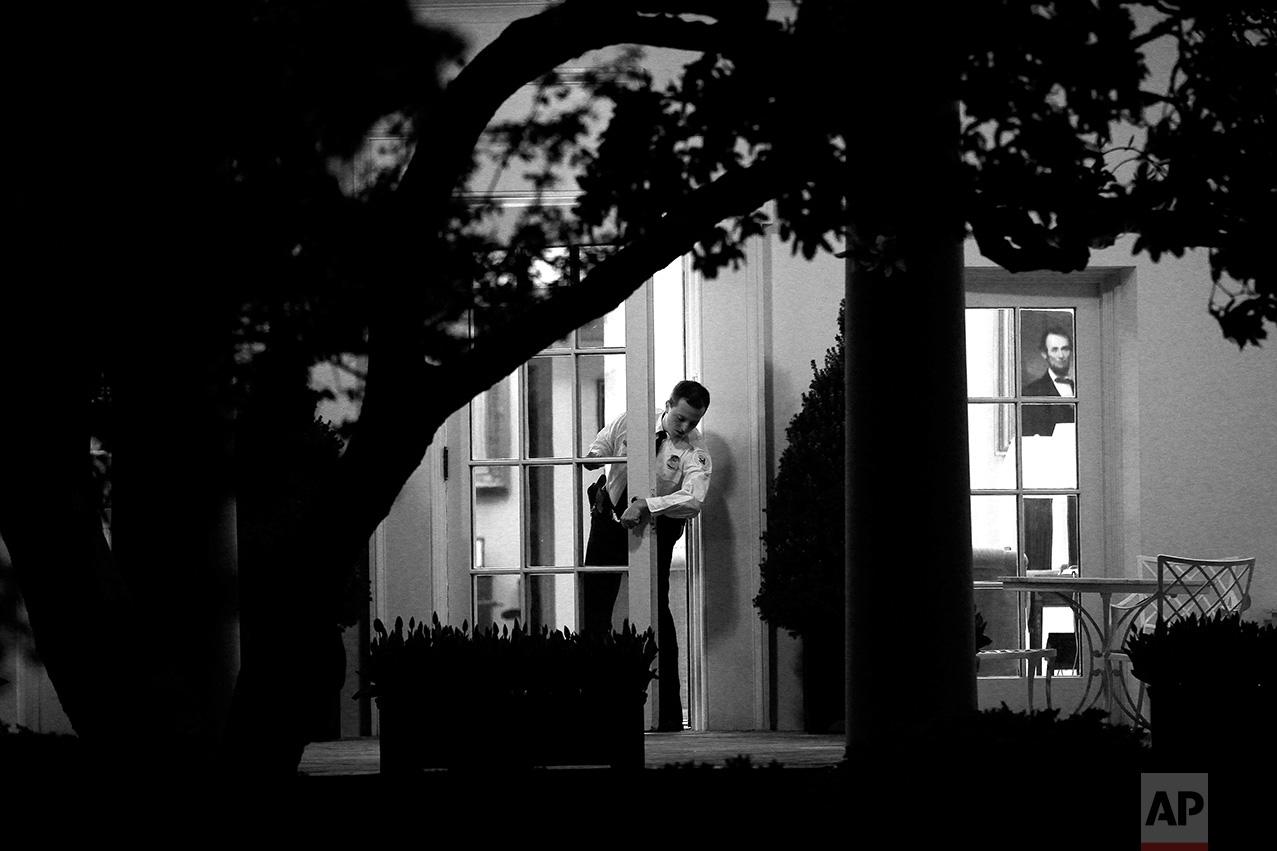 Tổng thống Mỹ - Công việc cô đơn nhất thế gian - Ảnh 13.