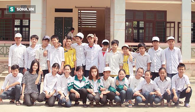 Học trò Thanh Bình vui đón trái tim của nhà trường - Ảnh 2.