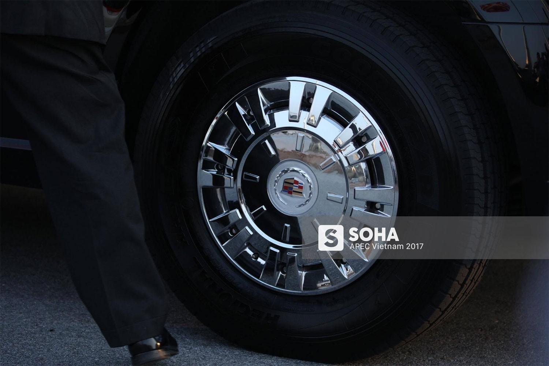 [ẢNH] Cận cảnh từng chi tiết siêu xe Quái thú của Tổng thống Mỹ Donald Trump tại Nội Bài - Ảnh 5.