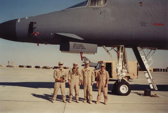 Chuyến đi của 28 doanh nhân Việt đến Iraq và hợp đồng 700 triệu USD ký trong tiếng gầm tên lửa - Ảnh 1.
