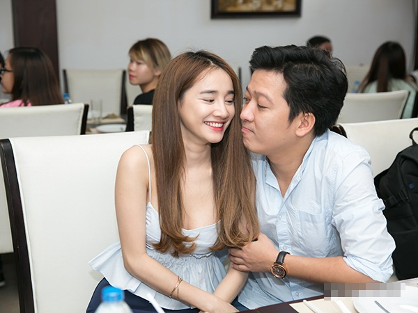 Nhã Phương phản ứng trước thông tin đã đính hôn trước khi yêu Trường Giang - Ảnh 1.