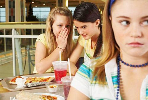 Cô gái thành xác sống chỉ vì lời bình ác ý và chuyện sống vì miệng lưỡi người khác - ảnh 5
