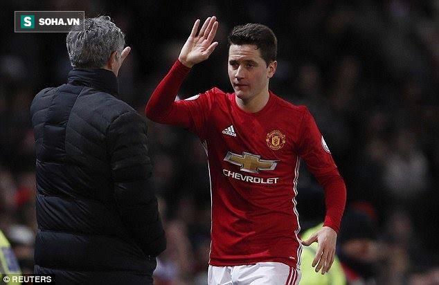 Đằng sau cánh tay của Herrera, cú đập tay của Mourinho là một Man United tươi sáng - Ảnh 3.