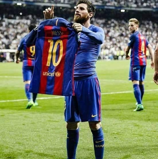 Messi: Nỗi bất công cùng cực, cú đánh hộc máu mồm và 2 cái tát vào mặt Real Madrid - Ảnh 4.