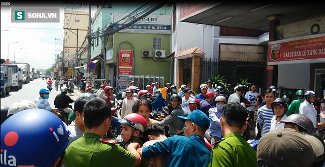 Hàng chục người đuổi 7km bắt 2 tên cướp trên Quốc lộ - Ảnh 1.