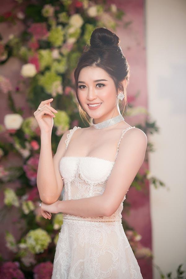 Vẻ nóng bỏng của 5 mỹ nhân Việt sắp thi nhan sắc quốc tế - Ảnh 15.