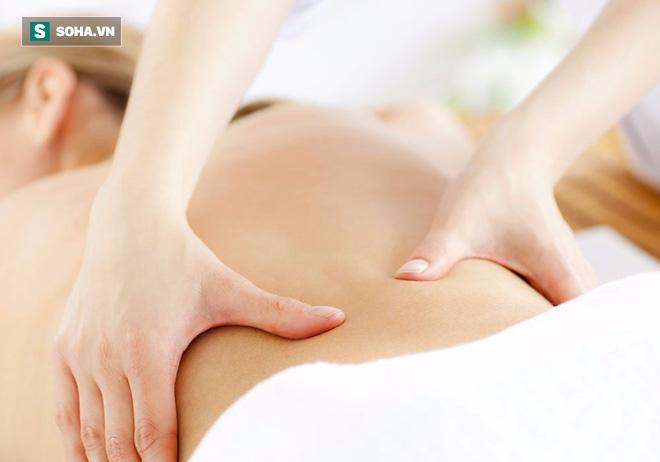 Bận đến mấy cũng đừng bỏ qua việc massage 5 vị trí này nếu muốn trẻ mãi không già - Ảnh 2.