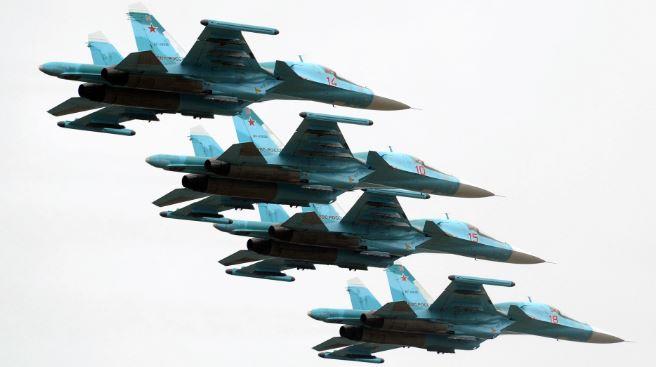 Su-34 có thể mang tới 8 tấn vũ khí,