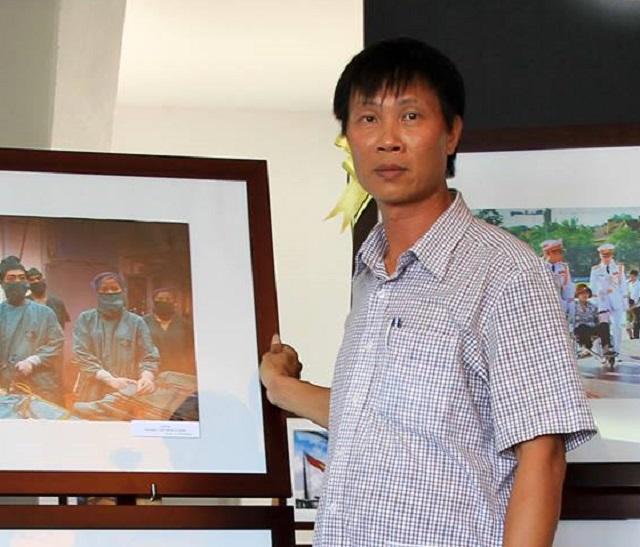 Phóng viên mang lệnh truy nã 18 năm, vẫn đi công tác nước ngoài bình thường - Ảnh 1.