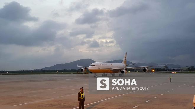 Quốc vương Brunei tự lái Cung điện bay siêu sang A340-212 tới Đà Nẵng dự APEC - Ảnh 8.