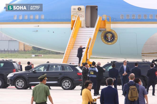 Mật vụ Mỹ đến sân bay, Air Force One sẵn sàng đưa tổng thống Trump rời Đà Nẵng ra Hà Nội 10