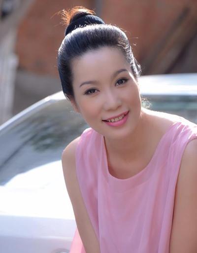 Á hậu Trịnh Kim Chi: Chuyện mua vai, đổi tình bây giờ rất lộ liễu - Ảnh 2.