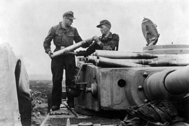 Trận đấu tăng lớn nhất trong lịch sử - Những hình ảnh từ phía Đức - Ảnh 18.