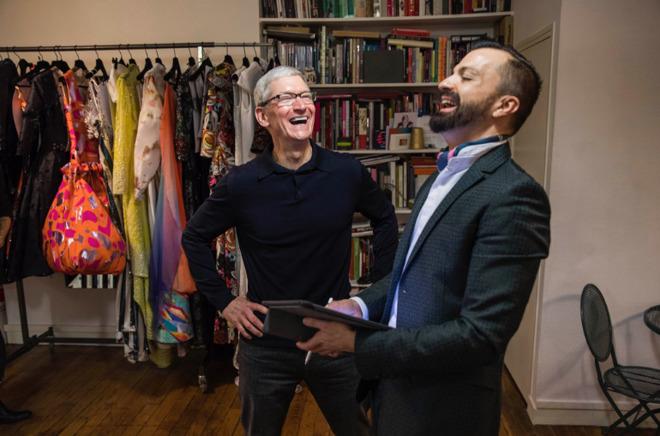 Chuyện chưa kể về bộ quần áo huyền thoại của Steve Jobs và phong cách đối lập từ Tim Cook - ảnh 5