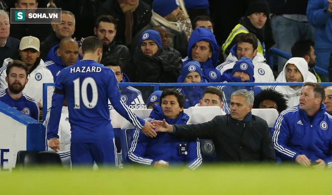 Đằng sau cánh tay của Herrera, cú đập tay của Mourinho là một Man United tươi sáng - Ảnh 1.