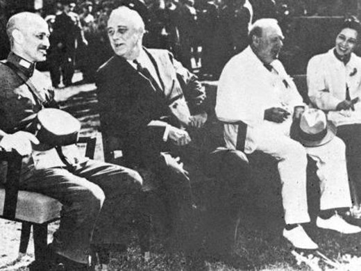 Báo TQ tiết lộ kế hoạch ám sát Tưởng Giới Thạch bất thành của Mỹ trên dãy Himalaya - Ảnh 1.