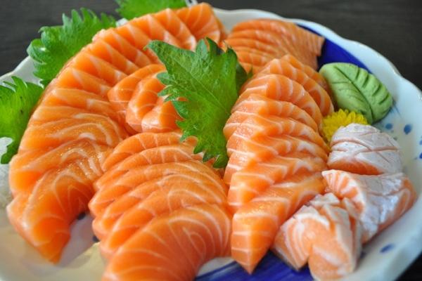 Để đẩy xa nguy cơ bị viêm phổi và ung thư phổi, hãy ăn các thực phẩm sau ngay từ bây giờ - Ảnh 2.