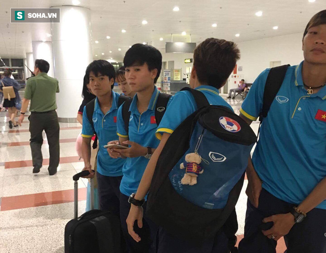 Livestream: Đội bóng đá nữ Việt Nam về nước trong vòng tay người hâm mộ - Ảnh 11.