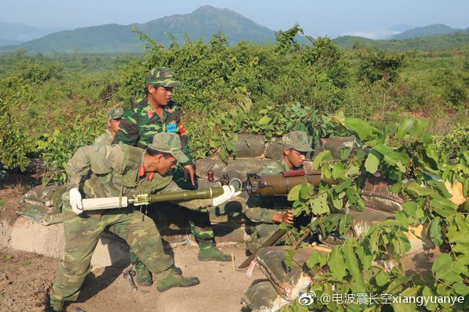Hình ảnh diễn tập DT-17 của Việt Nam xuất hiện trên mạng Trung Quốc - Ảnh 2.