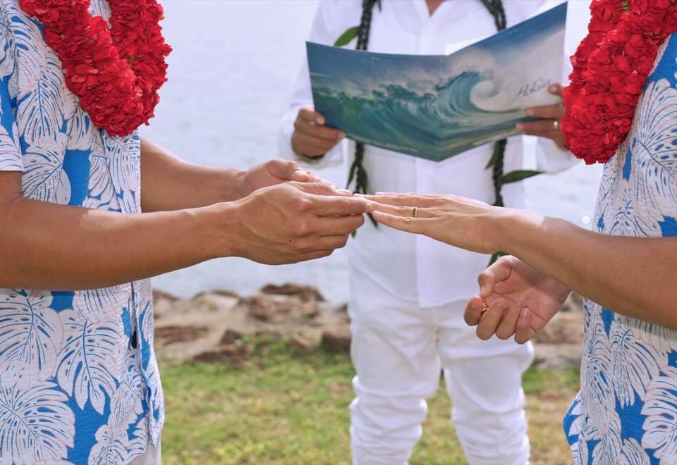 Sao Việt: Hồ Vĩnh Khoa khoe ảnh cưới ngọt ngào với bạn trai