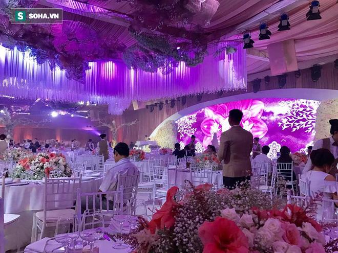 [TRỰC TIẾP] Toàn cảnh đám cưới Đặng Thu Thảo: Không gian cưới lộng lẫy như truyện cổ tích - Ảnh 7.