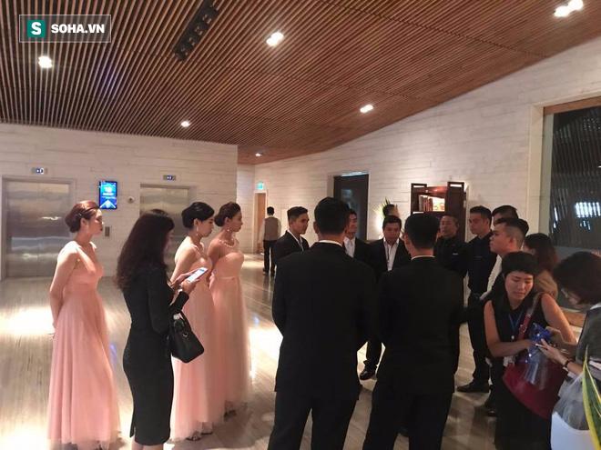 [TRỰC TIẾP] Toàn cảnh đám cưới Đặng Thu Thảo: Không gian cưới lộng lẫy như truyện cổ tích - Ảnh 18.