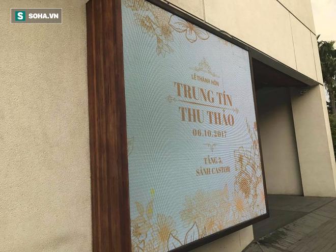 [TRỰC TIẾP] Toàn cảnh đám cưới Đặng Thu Thảo: Không gian cưới lộng lẫy như truyện cổ tích - Ảnh 16.