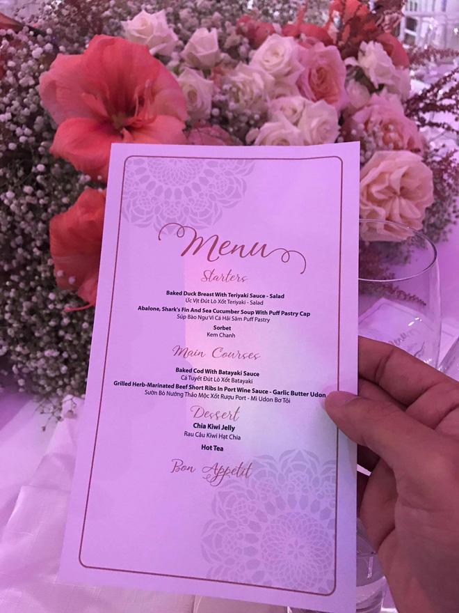 [TRỰC TIẾP] Toàn cảnh đám cưới Đặng Thu Thảo: Không gian cưới lộng lẫy như truyện cổ tích - Ảnh 5.