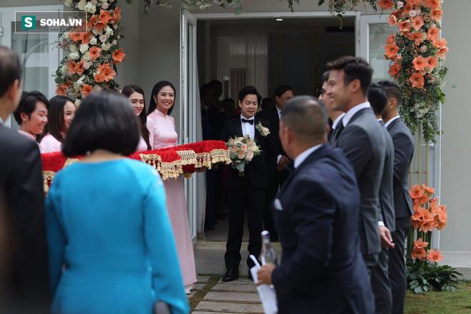 Toàn cảnh đám cưới Đặng Thu Thảo: Không gian cưới lộng lẫy như truyện cổ tích - Ảnh 41.