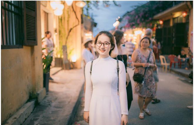 Để mặc mộc chụp ảnh, cô gái Quảng Nam khiến nhiều người nhầm tưởng - Ảnh 2.