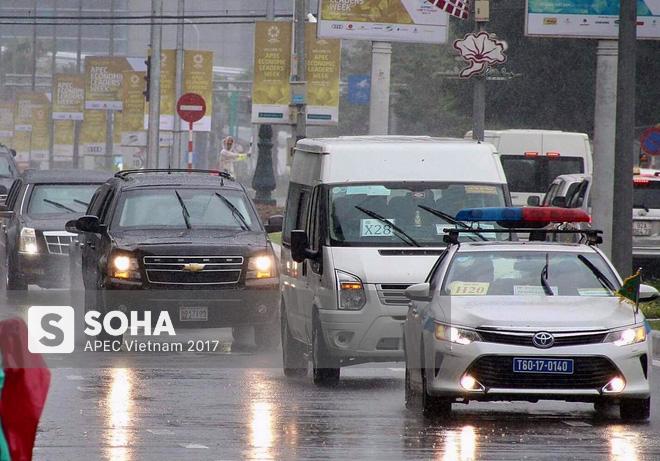 Dàn xe của tổng thống Trump hộ tống siêu xe Cadillac One The Beast xuất hiện trên phố Đà Nẵng - Ảnh 7.