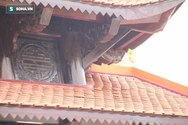 Cận cảnh cổng làng hơn 4 tỷ đồng làm từ gỗ quý ở Nghệ An - Ảnh 13.