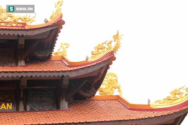 Cận cảnh cổng làng hơn 4 tỷ đồng làm từ gỗ quý ở Nghệ An - Ảnh 10.